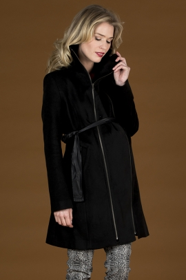 Coat for pregnant woman